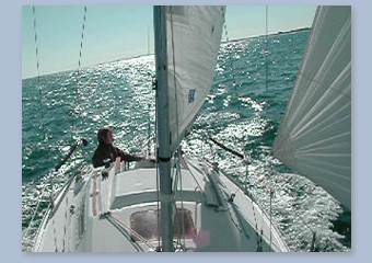 First Beneteau First 235 Video online - Audrey Holsten driving abstrait off Wrightsville Beach, NC